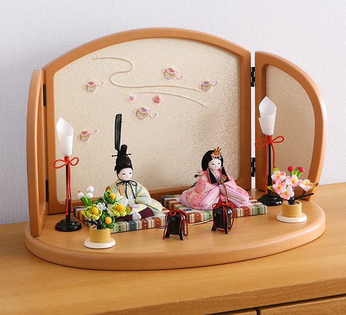 シンプルな「親王飾り」の雛人形を取り入れる魅力とは?